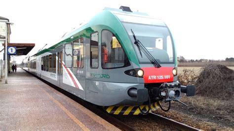 stazione autobus pavia in servizio tre nuovi gtw atr125 di trenord sulle linee