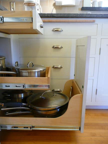 kitchen drawers vs cabinets three vs four drawers for kitchen cabinets