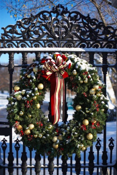 giant wreath   christmas garland