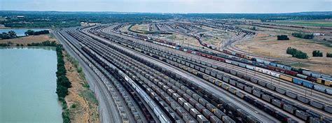 Backyard Trains Yard Large