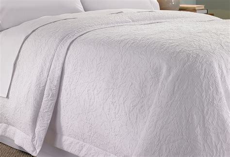 what is a coverlet for duvet cover shop hton inn hotels