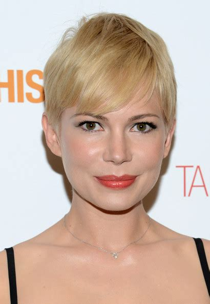 michelle short hair hottest short hairstyles get inspired by celebs looks