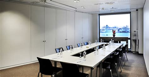 sala de reuniones barcelona trabajar en salas de reuniones para empresas casa dise 241 o