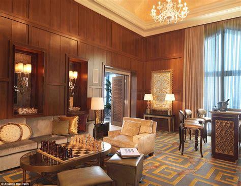 bridge suite atlantis visits yuan restaurant during at