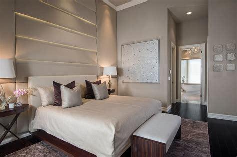 taupe walls in bedroom impressive sherwin williams tony taupe decorating