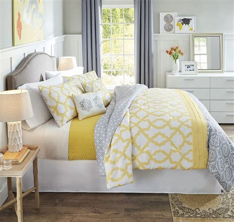 yellow bedding 25 best ideas about yellow and gray bedding on pinterest