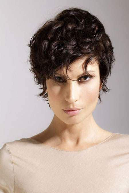 easy to keep hair styles short curly hairstyles are easy to maintain look great on