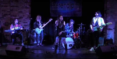 gallery serendipity band
