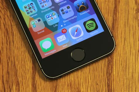 Home Button Apple Device Iphone 5 S Se Iphone 6 6plus Iphone 7 7plus review with the iphone 5s apple lays groundwork for a