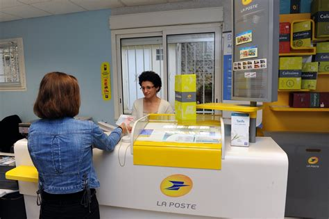 bureau de poste pr騅ost la poste veut adapter r 233 seau 224 la vie de ses clients