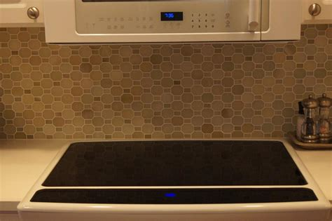 Ceramictec   Polished Green River Onyx Mosaic Backsplash
