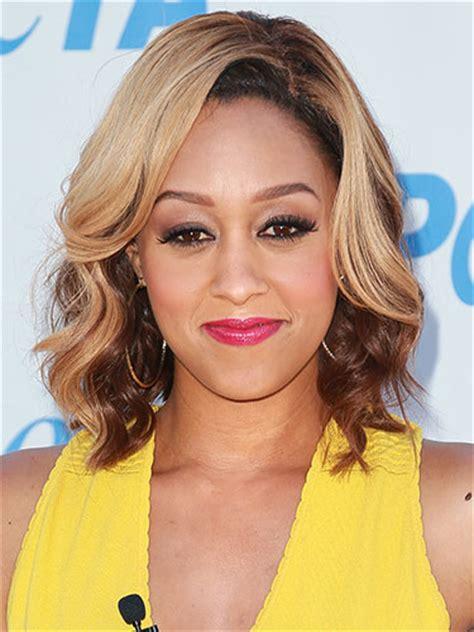 tia mowry hair color 2014 hcw tia and tamera hairstyles hype hair