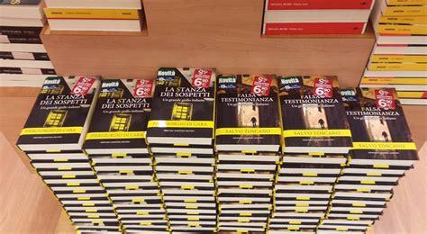 libreria feltrinelli palermo pomeriggio in giallo alla libreria feltrinelli live sicilia