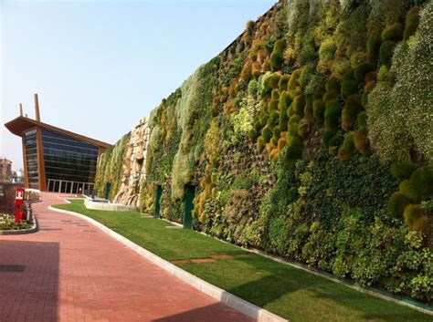 the largest vertical garden in the world 171 twistedsifter