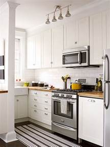 Pictures Of Small Kitchens With White Cabinets Small White Kitchens