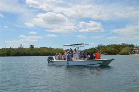 green turtle cay boat rentals visiting a beautiful beach for some lunch and swimming