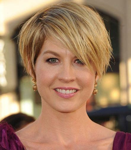hairstyles for growing out very short hair short blonde hairstyles 2013 elegant and beautiful
