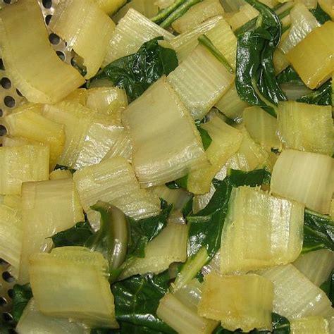 cuisiner les cotes de bettes les c 244 tes de bettes 224 la voironnaise
