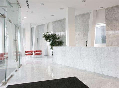 pavimenti marmo bianco arredare casa con pavimento in marmo foto design mag