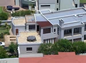Oscar Pistorius House Plan Oscar Pistorius Sells Home Where He Dead Reeva Steenk Daily Mail