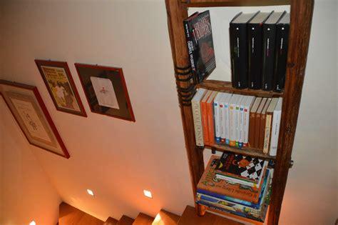libreria con scala libreria con vecchia scala a pioli l arte recupero