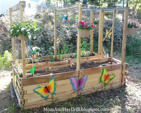 Garden Ideas For Schools Kid Size Critter Proof Veggie Garden For School Grounds Or Courtyards With 4 Legged
