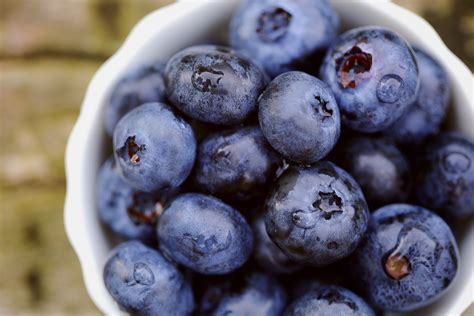 carbohydrates blueberries blueberry nutrition facts calories and health benefit