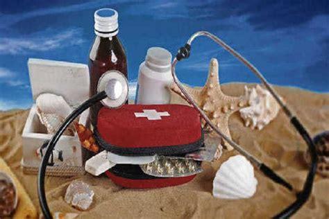 portare farmaci in aereo partire per le vacanze con i bambini precauzioni e