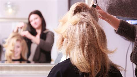 Visagiste Coiffure comment choisir un coiffeur visagiste coiffeur