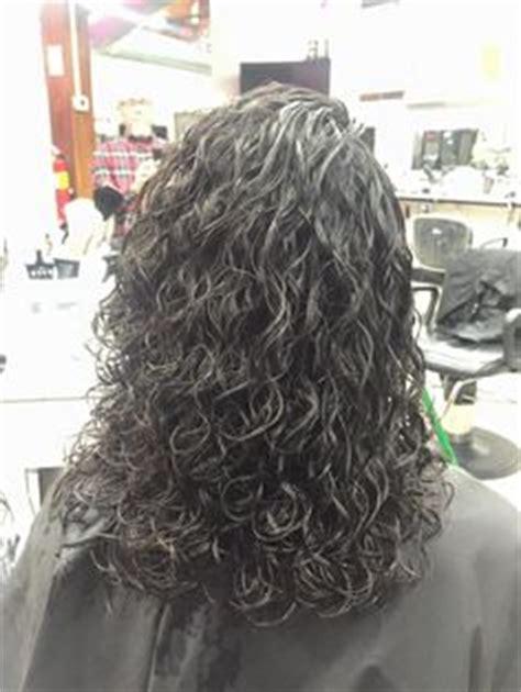 boomarang perm photos on long hair spiral perm on boomerang rods pinteres