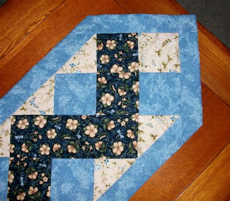 zig zag table runner quilted table runner blue zig zag by foothillsstitchery on