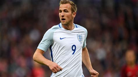 harry kane 2016 england harry kane urges referees to stay strong for england at