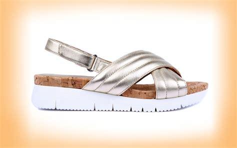 Sepatu Sandal Wanita Gaya Santai Simpel Modis Keren Kickers Kenzie 1 sepatu sandal til makin genit cek 6 pilihan femina