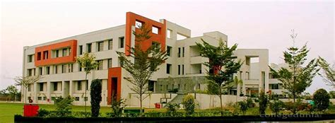 Anand Commerce College Mba by Anand International College Of Engineering Jaipur Hostel