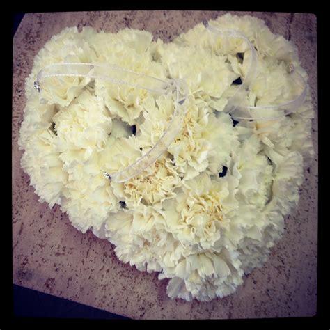 cuscino fedi fiori come realizzare porta fedi con fiori
