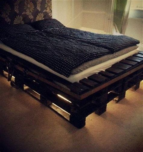 Pallet Bed Frame Diy Diy Pallet Bed With Lights Diy And Crafts