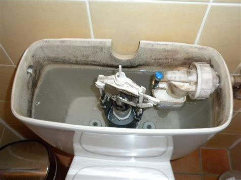 binnenwerk stortbak toilet vervangen reparatie vervanging binnenwerk stortbak werkspot