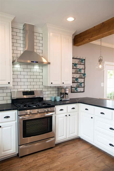 Backsplash For Kitchen With White Cabinet by Kitchen Ideas White Cabinets Black Countertop Kitchen