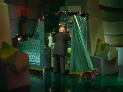 man behind curtain 239 best images about the wizard of oz on pinterest