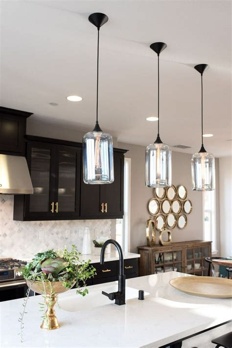 pendant kitchen lighting ideas 25 best ideas about pendant lights on kitchen