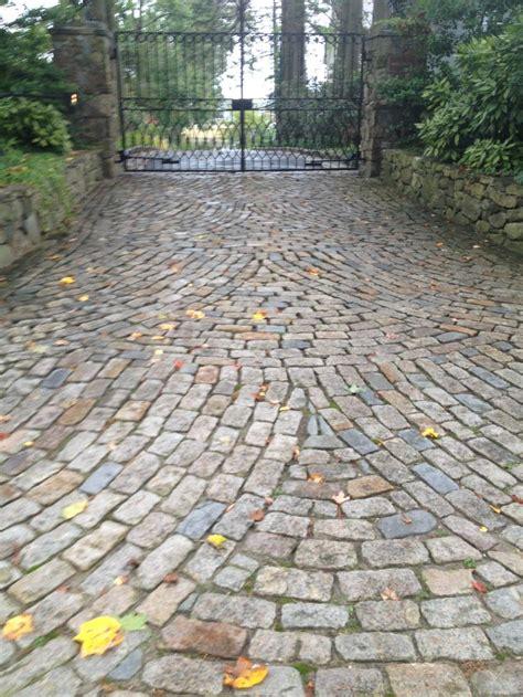 Cobblestone Patio Pavers Best 20 Cobblestone Driveway Ideas On Driveways Cobblestone Pavers And Driveway Ideas