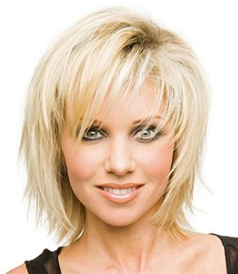 up to date cute haircuts for woman 45 and over best 25 med haircuts ideas on pinterest med short hair