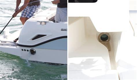 self bailing boat self bailing cockpit