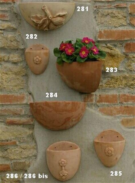 ornamenti per giardini bitossi terrecotte realizzazioni artigianali vasi