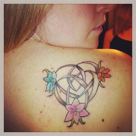 motherhood symbol tattoo designs celtic motherhood knot with my 3 babies as flowers my