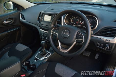 Jeep 2014 Interior by 2014 Jeep Sport Review Performancedrive