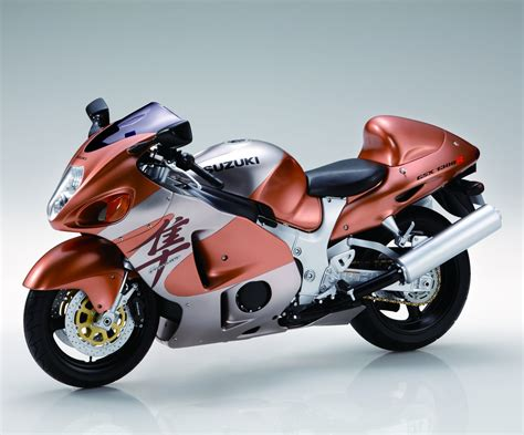 Suzuki Hayabusa Model Suzuki Hayabusa Gsx1300r 1 4 Model Bike Kit