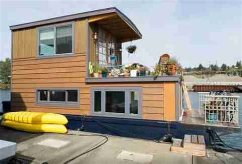 airbnb seattle houseboat the coolest us houseboats on airbnb thrillist