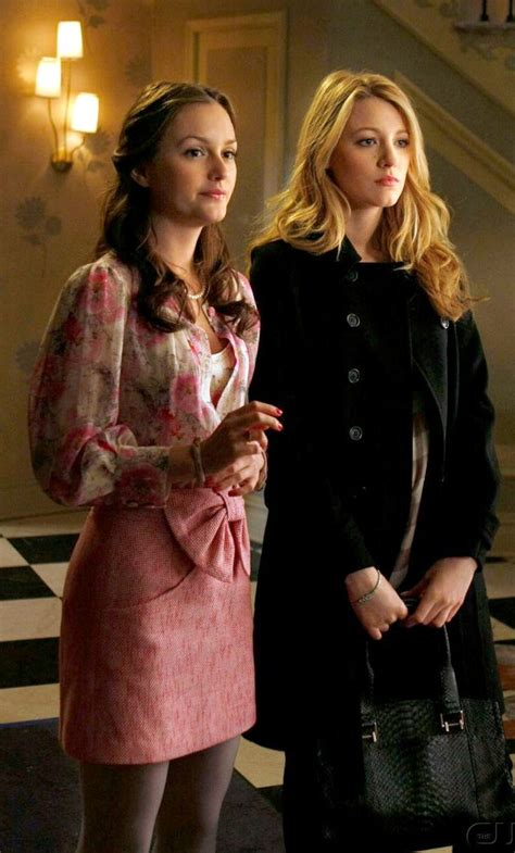 Gossipgirl Legging Pink blair waldorf looked feminine and chic in a tibi bow front