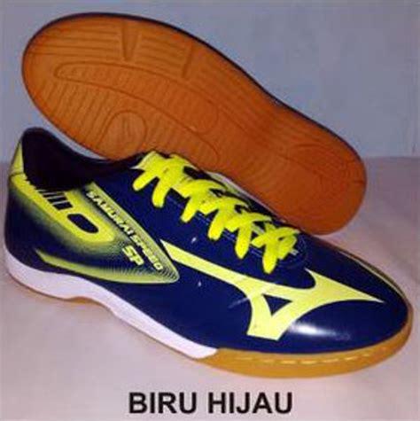 Sepatu Badminton Mizuno Terbaru jual sepatu mizuno primeskin samurai speed futsal